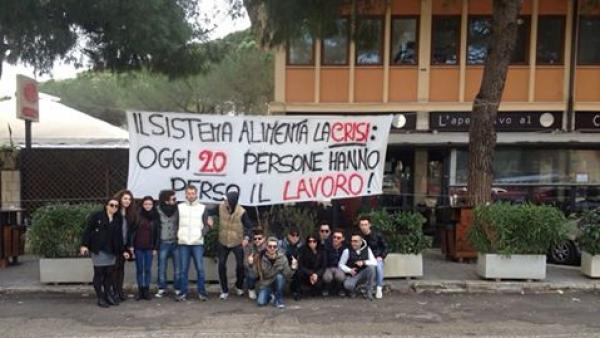 Sigilli al lounge bar Twin Towers, sit-in dei dipendenti