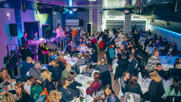 Cena spettacolo e party con Stiky&Friend e le AreaGirls all'area51