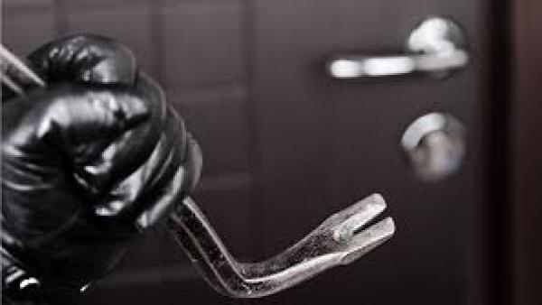 Aumentano i furti ai danni di botteghe e negozi