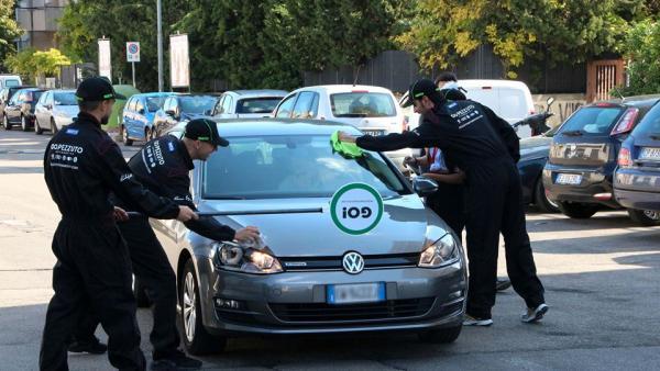 Lecce come un circuito di F1: ai semafori spuntano i pit stop