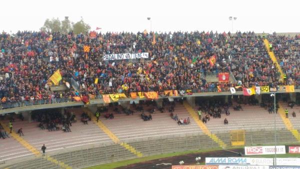 Il Lecce prova a rialzarsi, tra la contestazione dei tifosi. 2-0 al Fondi